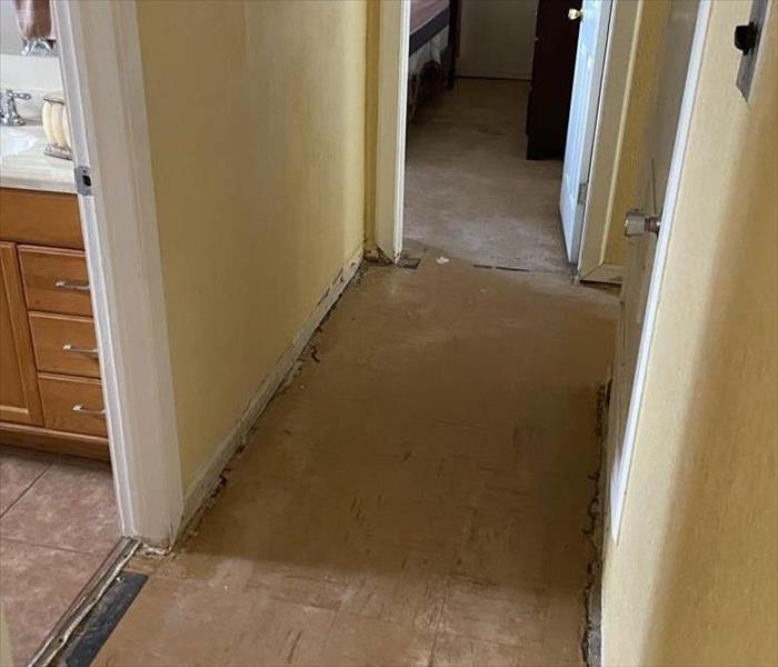 empty hallway with carpet removed